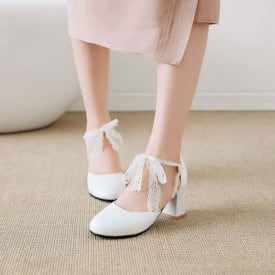 2 Inch Sweet Lace Knot Square Pump